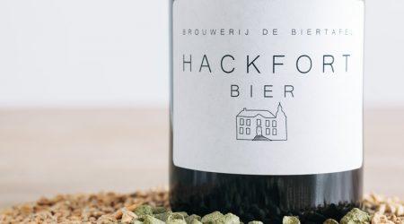Hackfort Bier is een fris, licht bitter bier. Heerlijk bij de borrel of bij lichte gerechten.